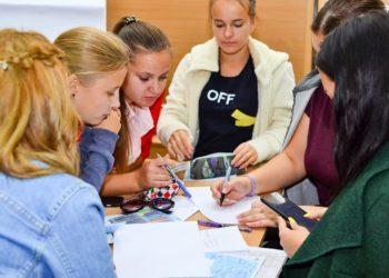 «Ми повинні говорити про демократію через демократію». Студенти познайомились з ключовими поняттями ОДГ/ОПЛ